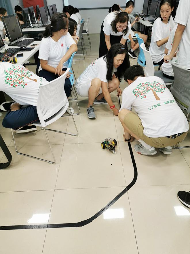 石景山区科协成功开展青少年科技夏令营活动